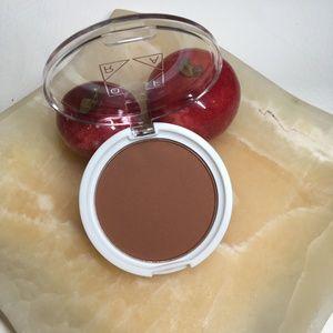 Ofra Cosmetics Bronzer in Versatile Matte